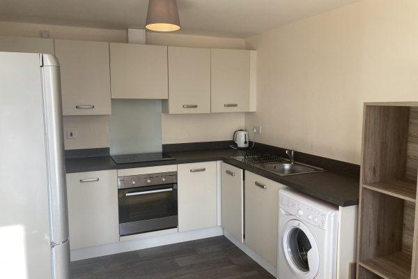 flat-to-rent-sheffield-s5-clean-kitchen-lavender-way